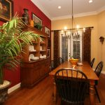 red-and-tan-tradtional-farmhouse-dining-room